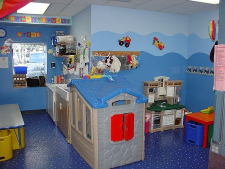toddler-room-569199__340