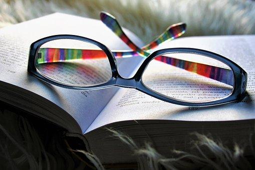 reading-3088491__340